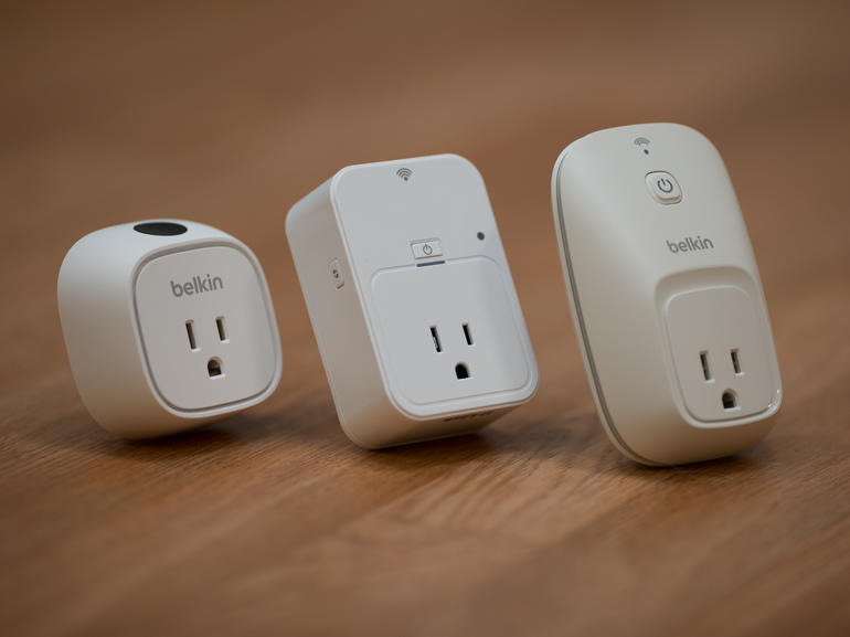 d-link-smart-plug-product-photos-12